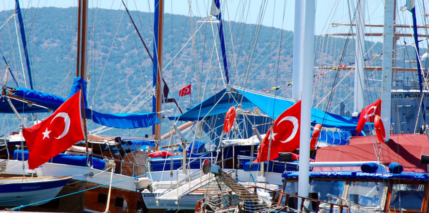 sailing in Turkey charter a yacht