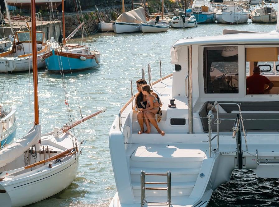 charter a lagoon 40