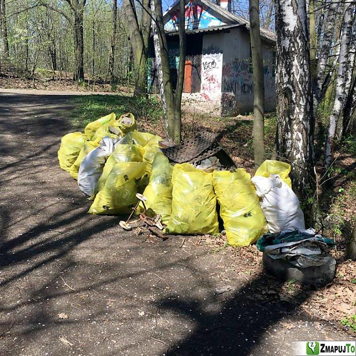 ZmapujTo.cz - hlášení číslo 136477, Odpadkový koš, kontejner, Hrabová