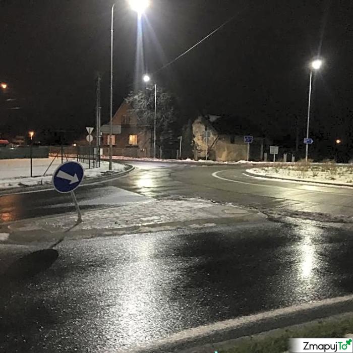 ZmapujTo.cz - hlášení číslo 151059, Poškozená dopravní značka, zrcadlo, Hrabová
