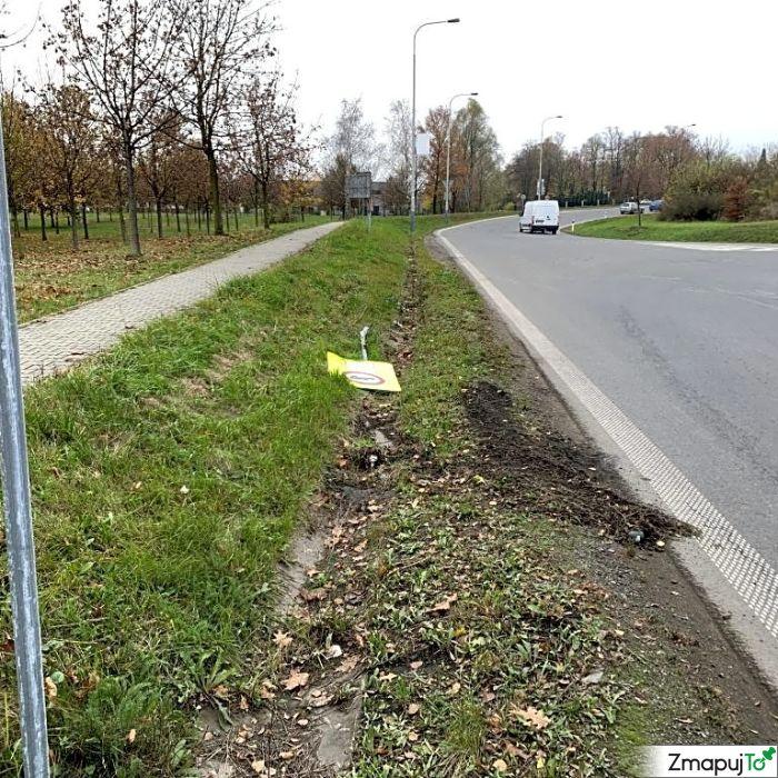 ZmapujTo.cz - hlášení číslo 174243, Špatné dopravní značení na komunikaci, Hrabová