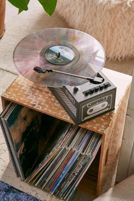 Vinylspelare från Urban Outfitters med kassettdäck
