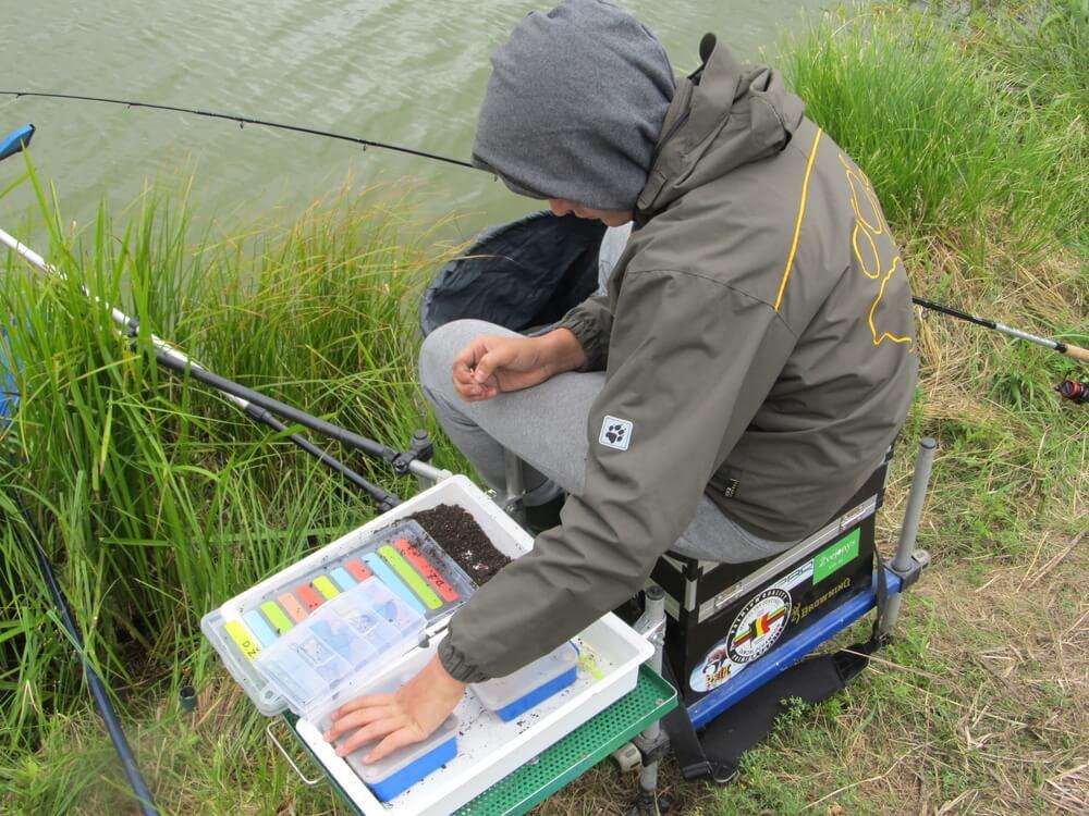 Feeder treniruotė. Feeder komanda. Dominykas žvejoja.